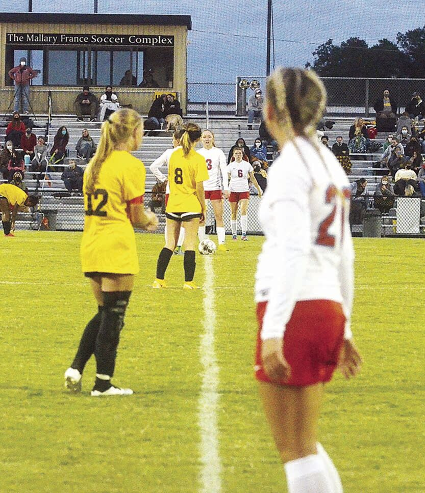 Tigers take Crosstown, girls' game ends in draw