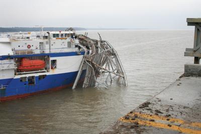 Delta Mariner and bridge