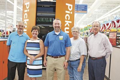 Walmart donates $2,5000 to CART