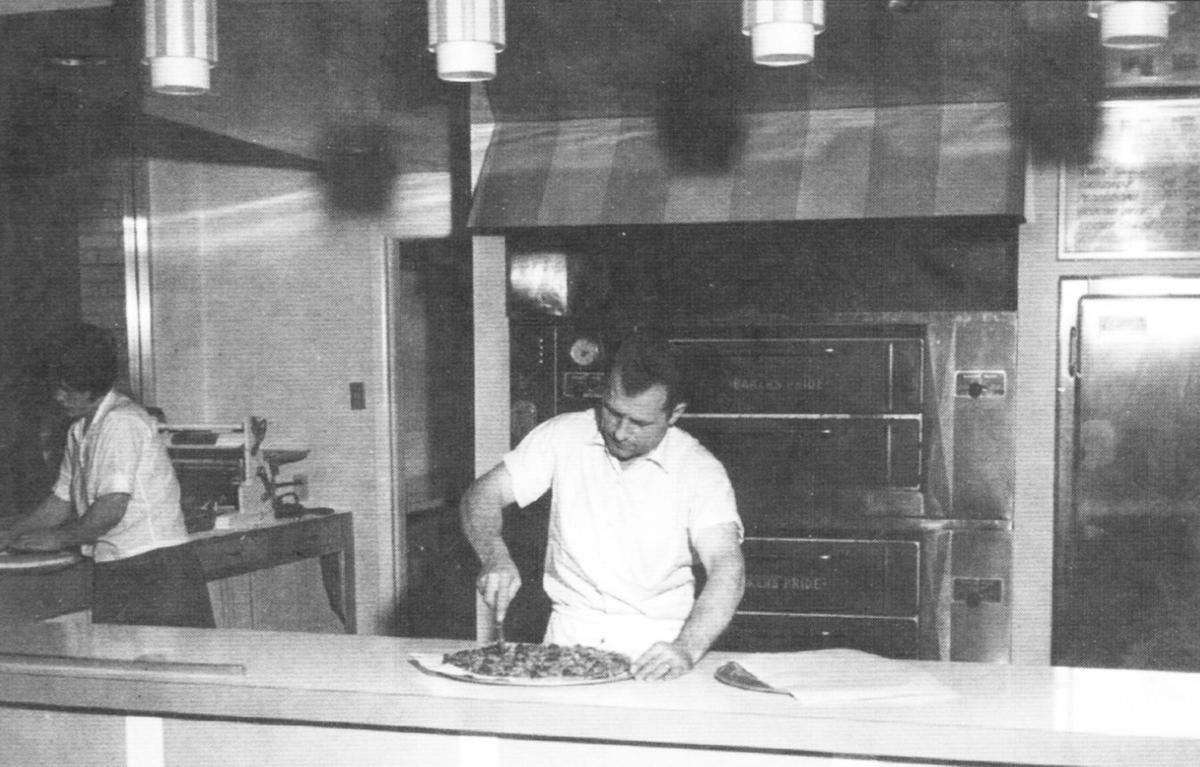 Tom's Pizza 1967