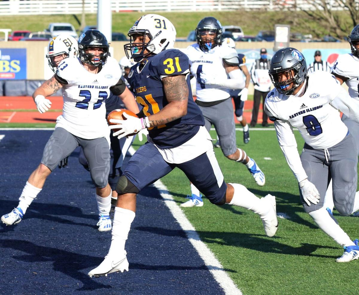 Racers travel to Clarksville for clash with Governors