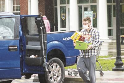 Murray State move-out student