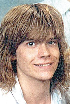 A son's disappearance … a family's pain: Nearly 16 years after Robert Kellar's family last saw him, the Muscatine resident is still missing