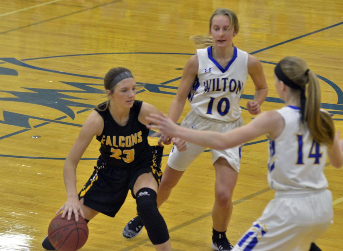 Wilton basketball sweeps L-M Monday night | High School