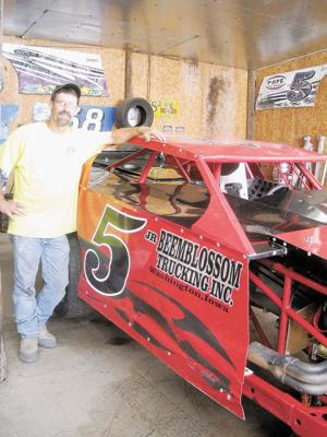 Racing: Conesville's Sands overcomes difficult 2010, now in
