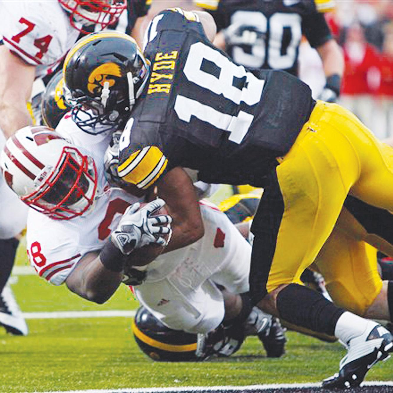low priced 470dc 1be9c College football: Fake punt lifts Wisconsin over Iowa ...