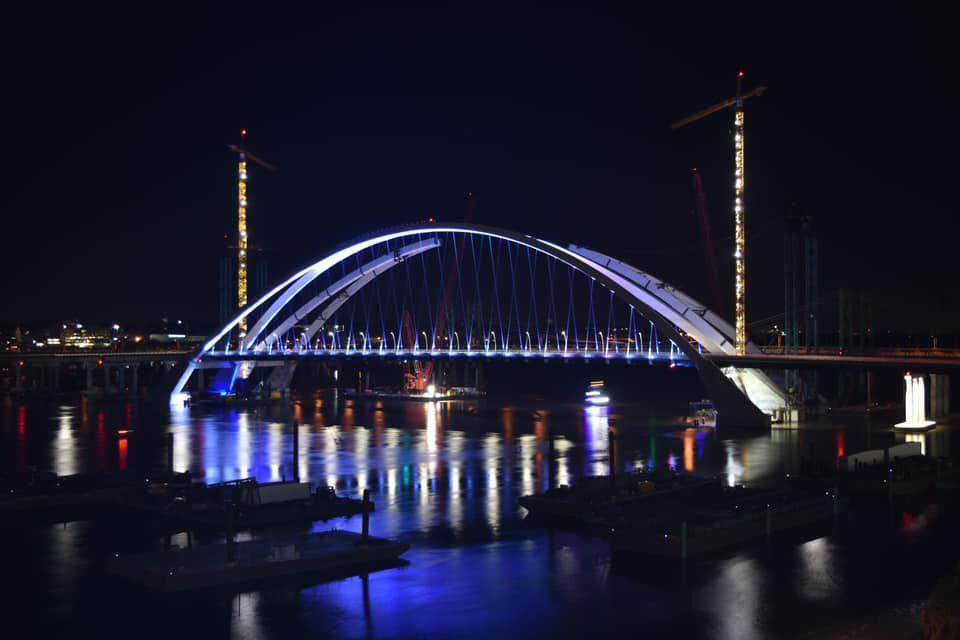 I-74 bridge lights