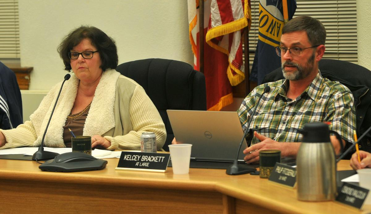 Muscatine City council discussion of City Administrator Gregg Mandsager's job.