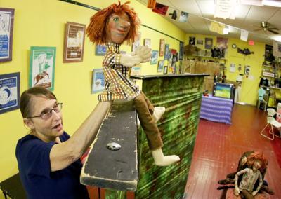 082318-qct-fea-puppets-005