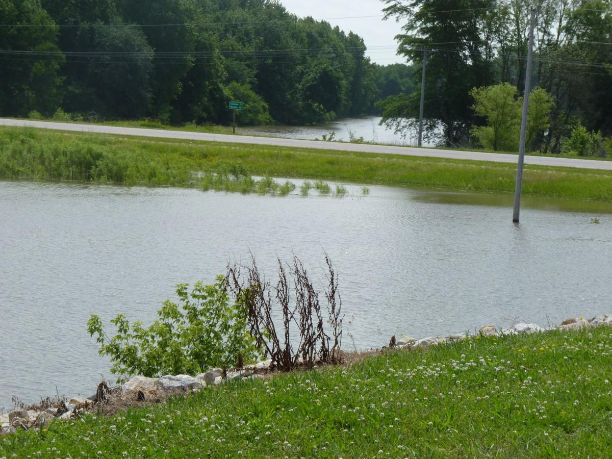 Flood warning in Columbus Junction