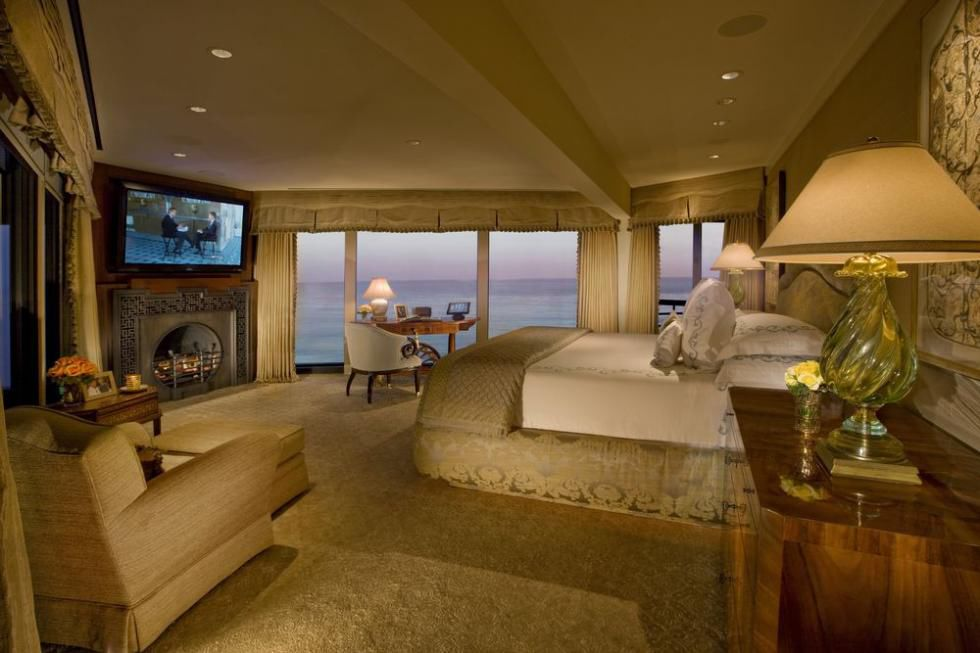 master bedroom additions over garage%0A The top    celebrity homes of        Home and Garden   muscatinejournal com