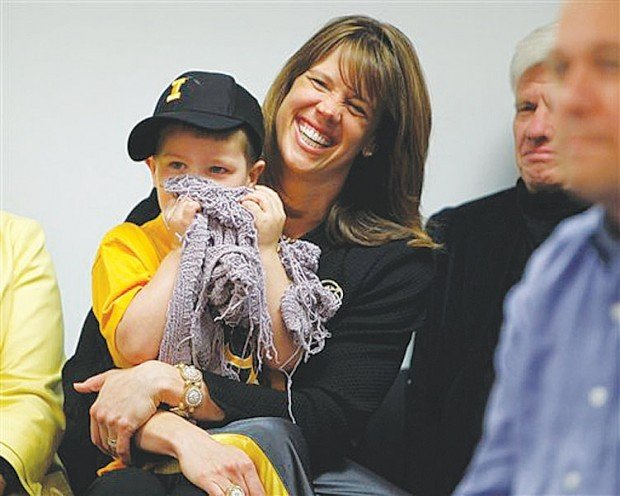 Iowa basketball: Passion for game bonds coach, wife ...