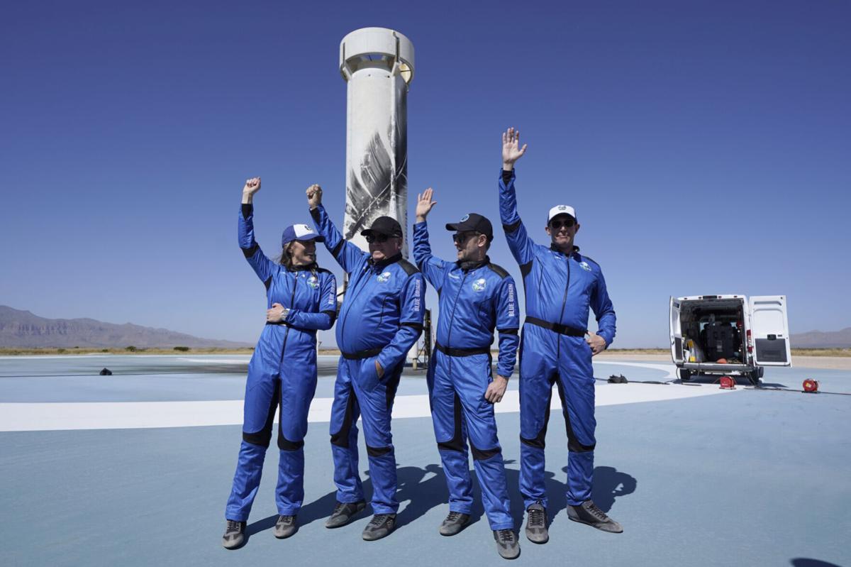 APTOPIX Shatner Space Launch
