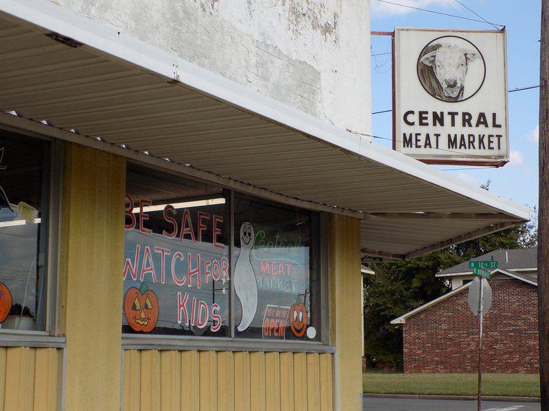 central meat market closing news. Black Bedroom Furniture Sets. Home Design Ideas