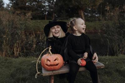 Experts urge caution as COVID-19 haunts Halloween