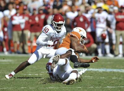 OU football:Mike Defee wasn't here for OU-Texas pre-game skirmish