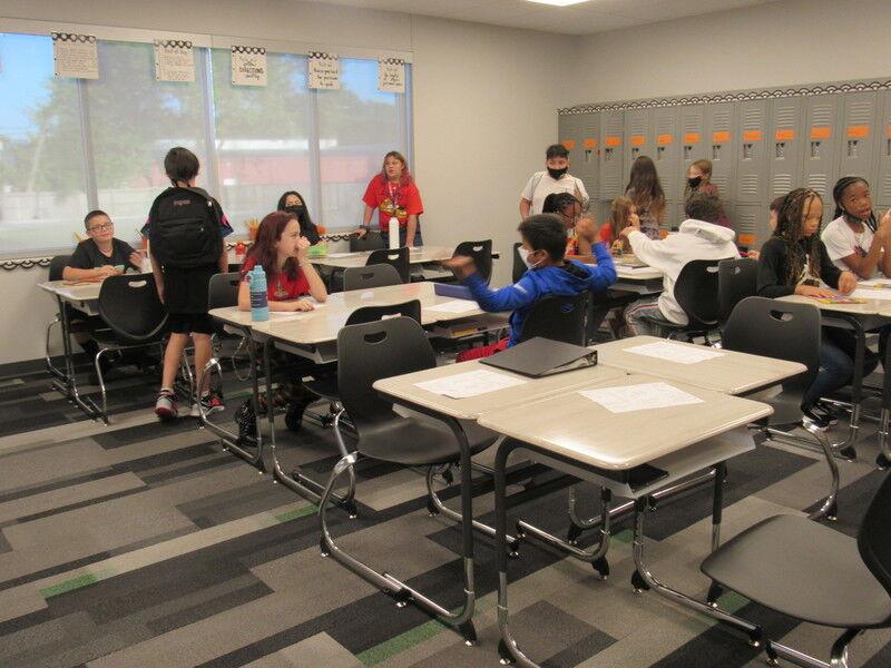 Teachers, parents marvel at new Tony Goetz Elementary