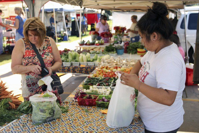 Tahlequah market swarms with activity