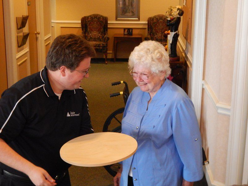Meals on wheels: Care home gets table aids