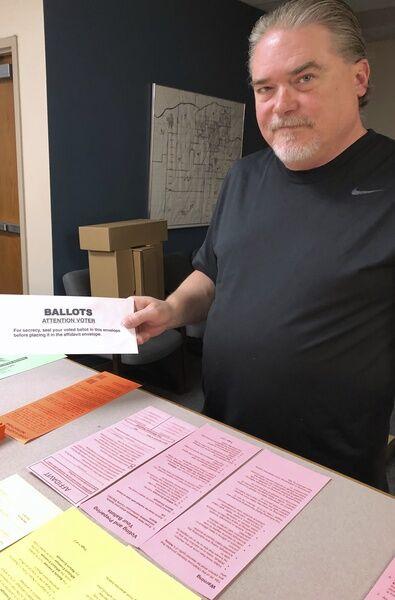 Voter suspicions aroused by envelope snafu