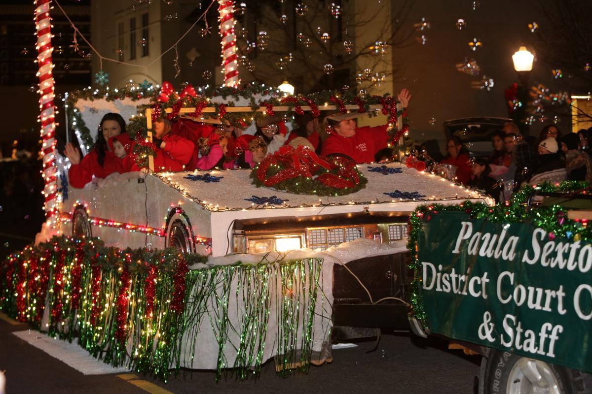 Tahlequah Christmas Parade 2021 Muskogee Christmas Parade 2014 Local News Muskogeephoenix Com