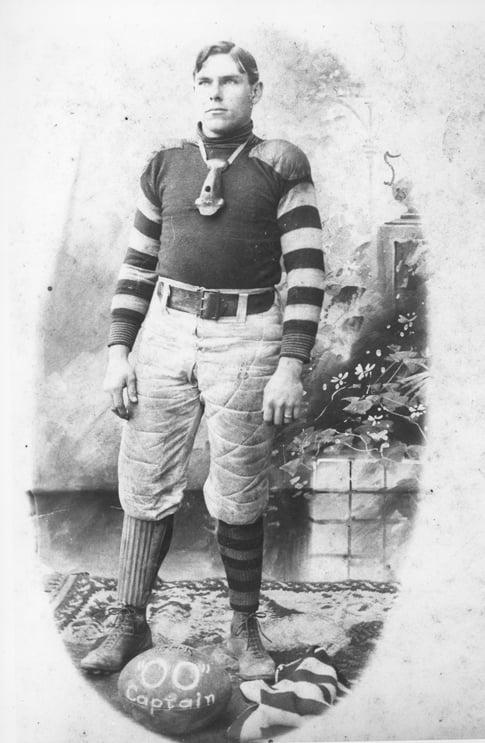 1900 Earl Schultz