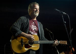 Robert Earl Keen ready for second straight First Yell