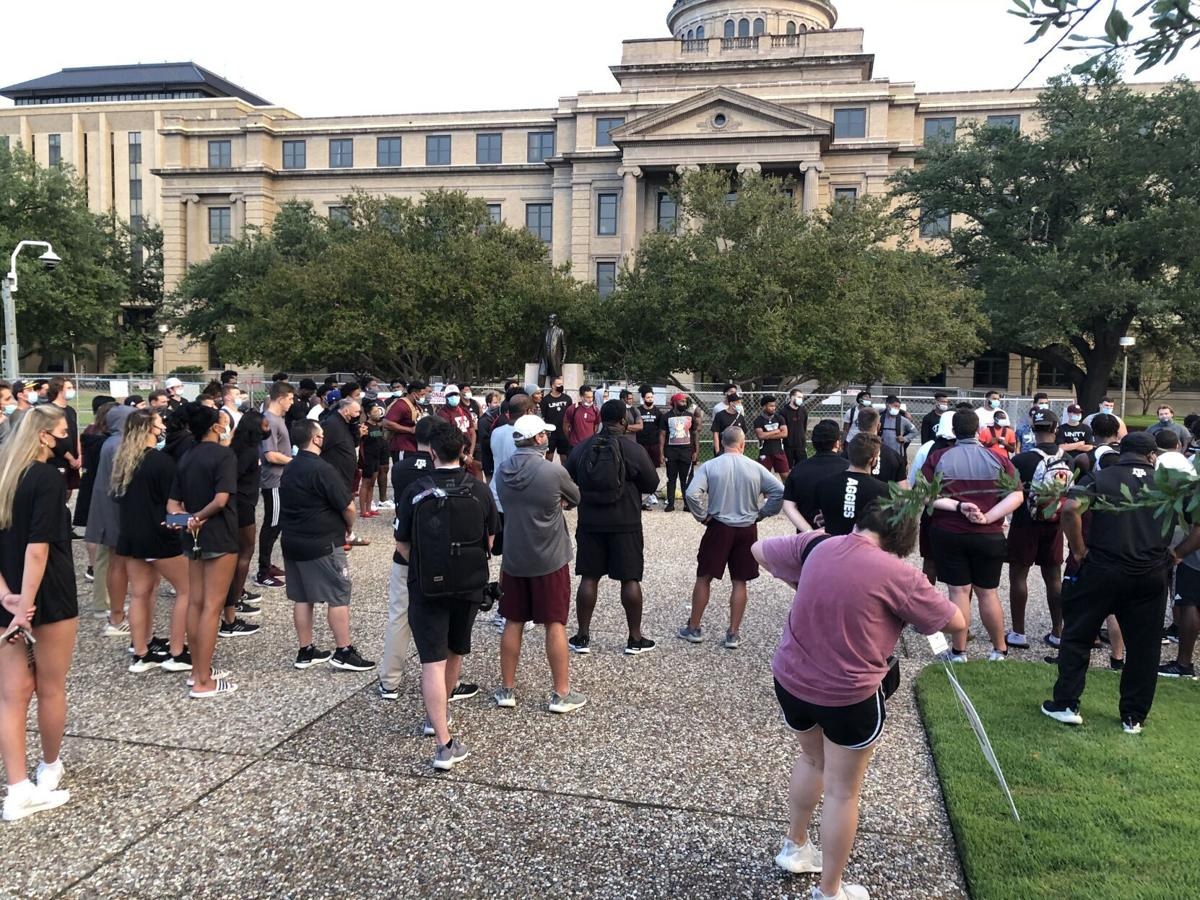 Athletes march to Sul Ross Statue