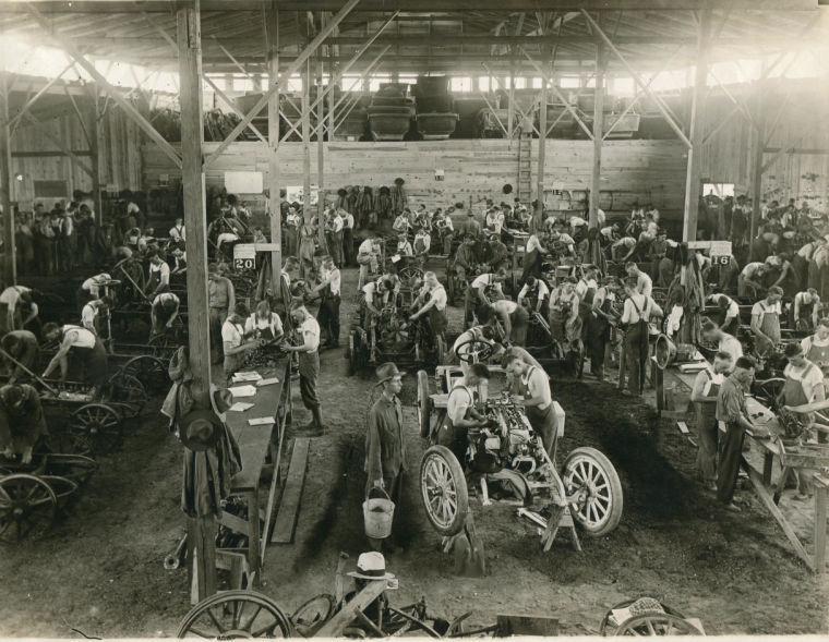 WWI auto mechanics