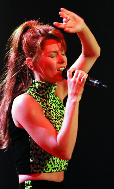 Sept 9 1998 Shania Twain Performs In First Major