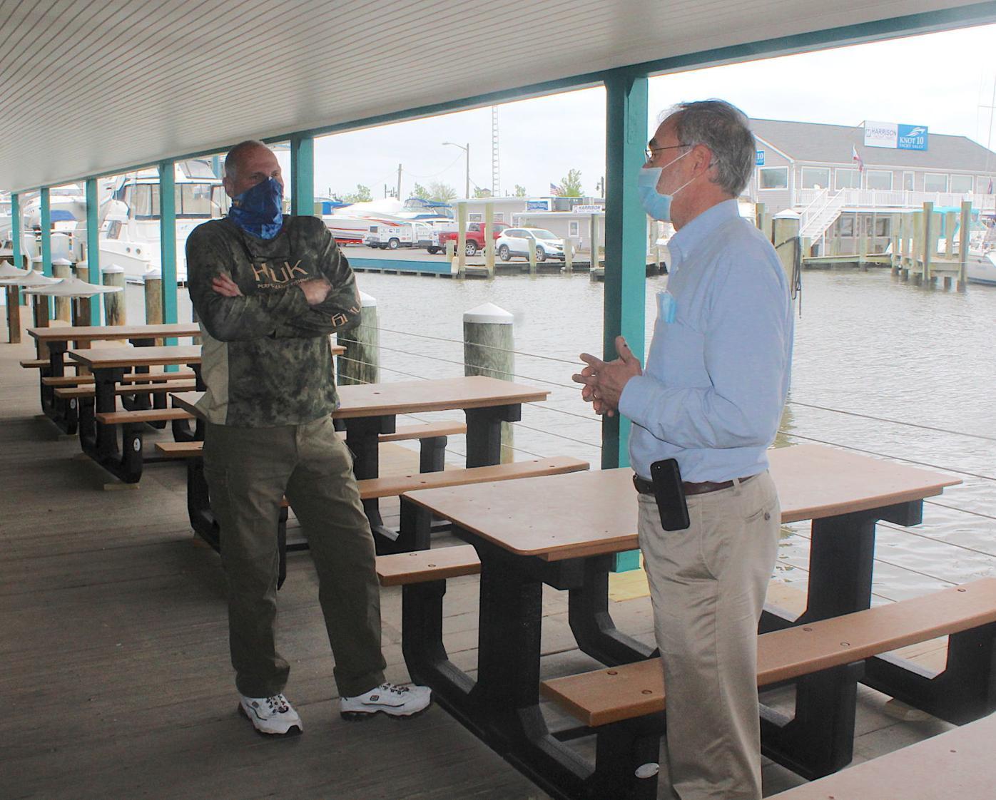 Harris promotes open-air restaurants '20
