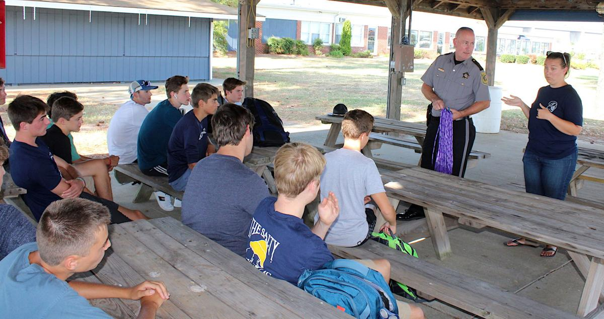 Sheriff talks opioids with KIHS Sailing team '19