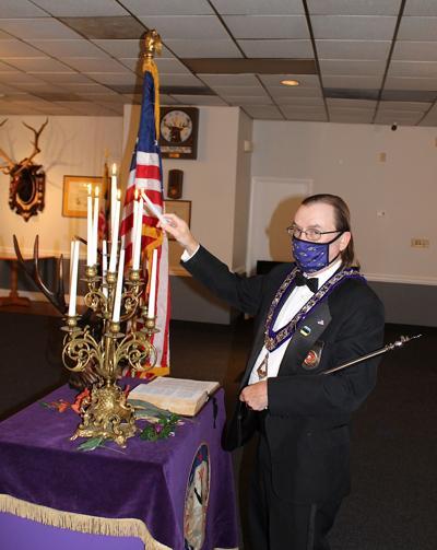 KI Elks remember ceremony '20