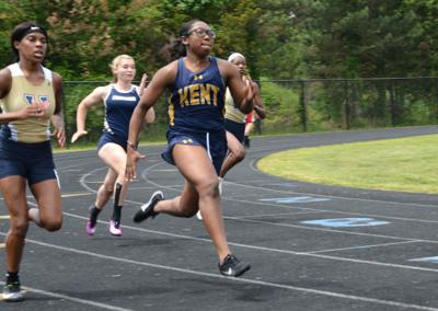Robinson gets PR at state triple jump