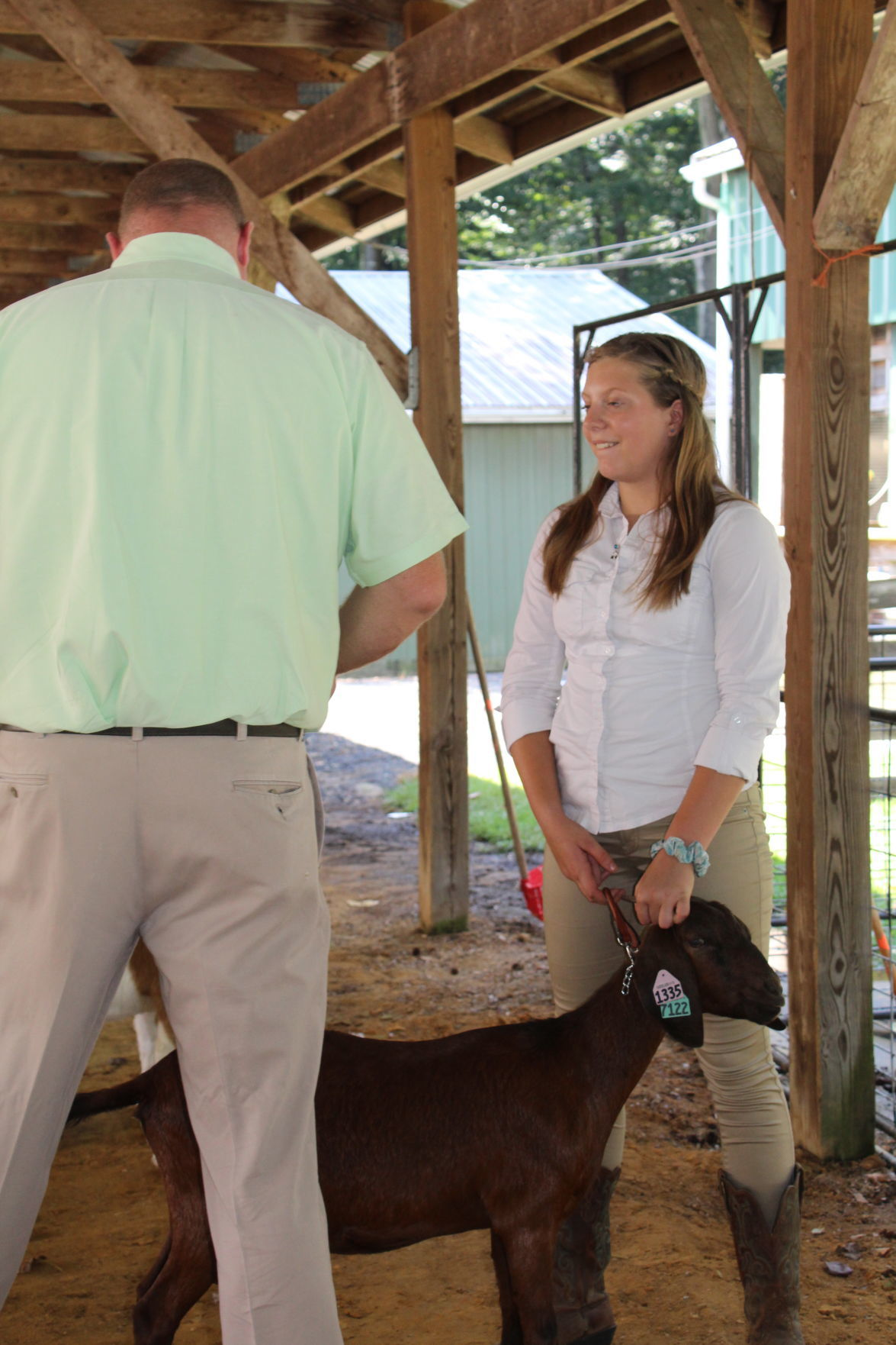 Caroline-Dorchester 4-Hers gush about their goats