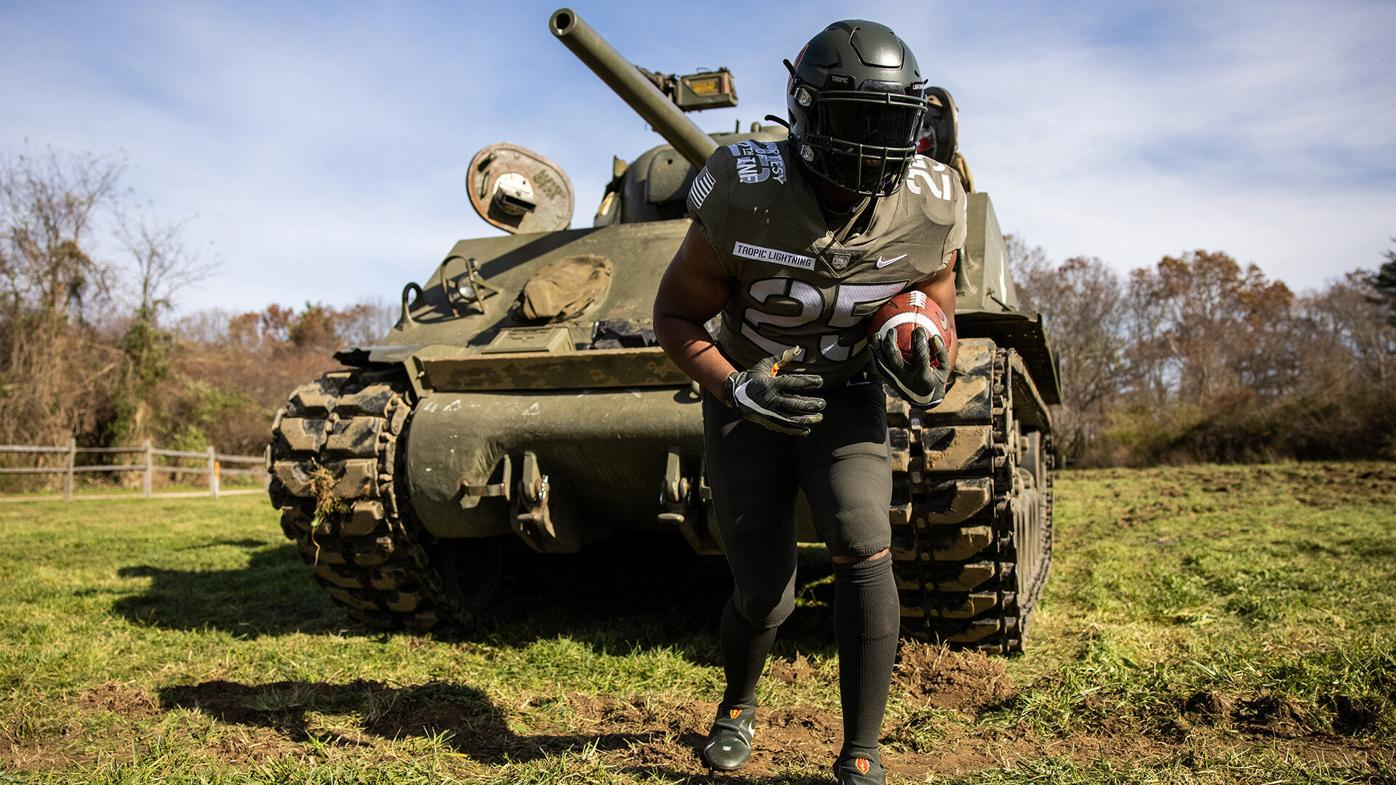 Army uniform recognizes the Wolfhounds