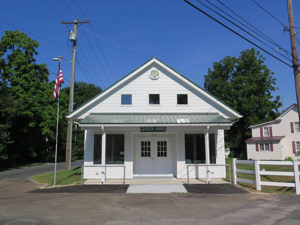 Queen Anne unveils new town hall