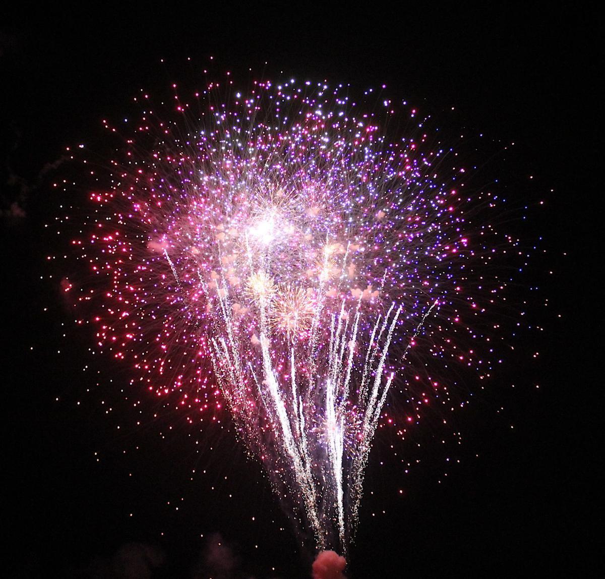 Centreville July 4th fireworks '19