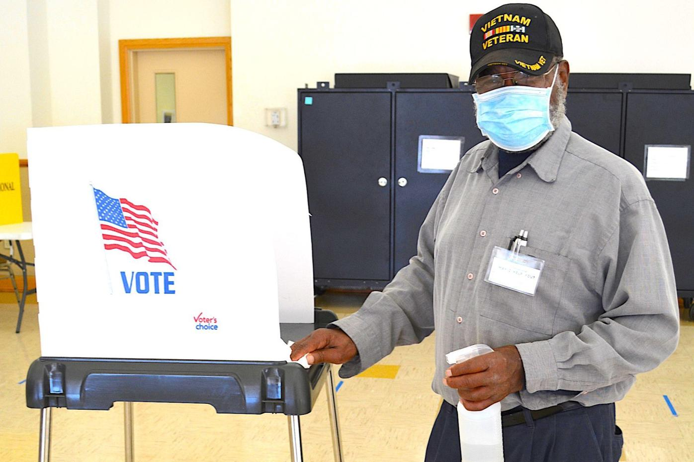 Election Day voting goes smoothly in Kent County