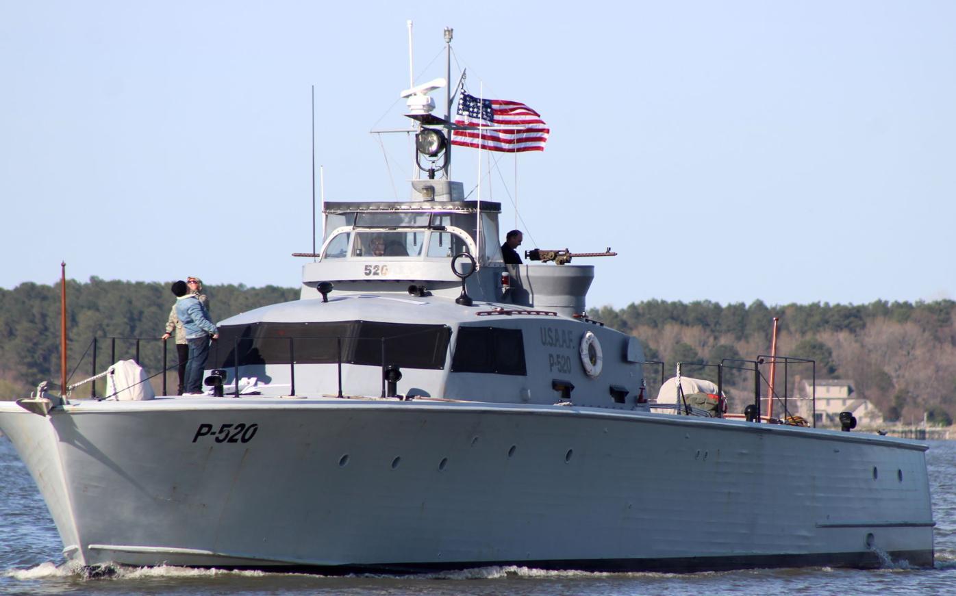 Crash boat P520 under sail