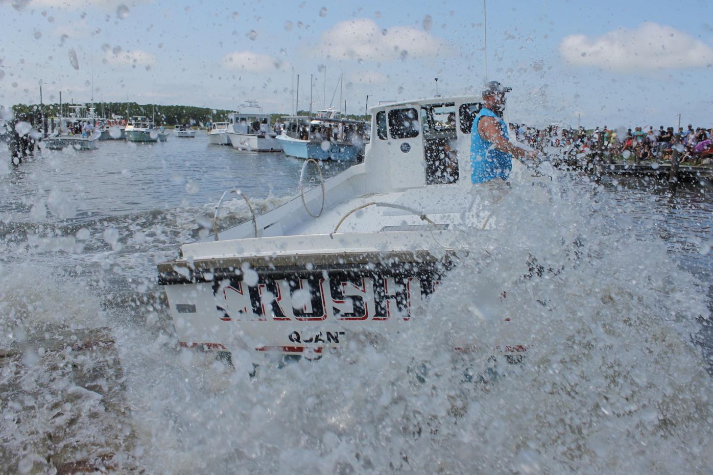 Derrick Hoy's Crusher makes a splash