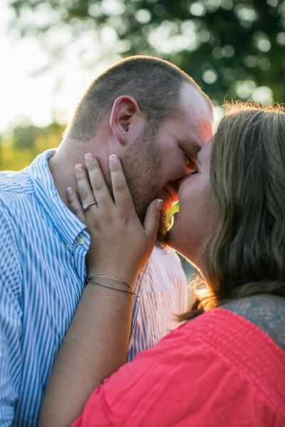Worth, Dixon to wed