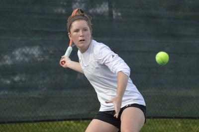 3 from Washington make the grade in tennis