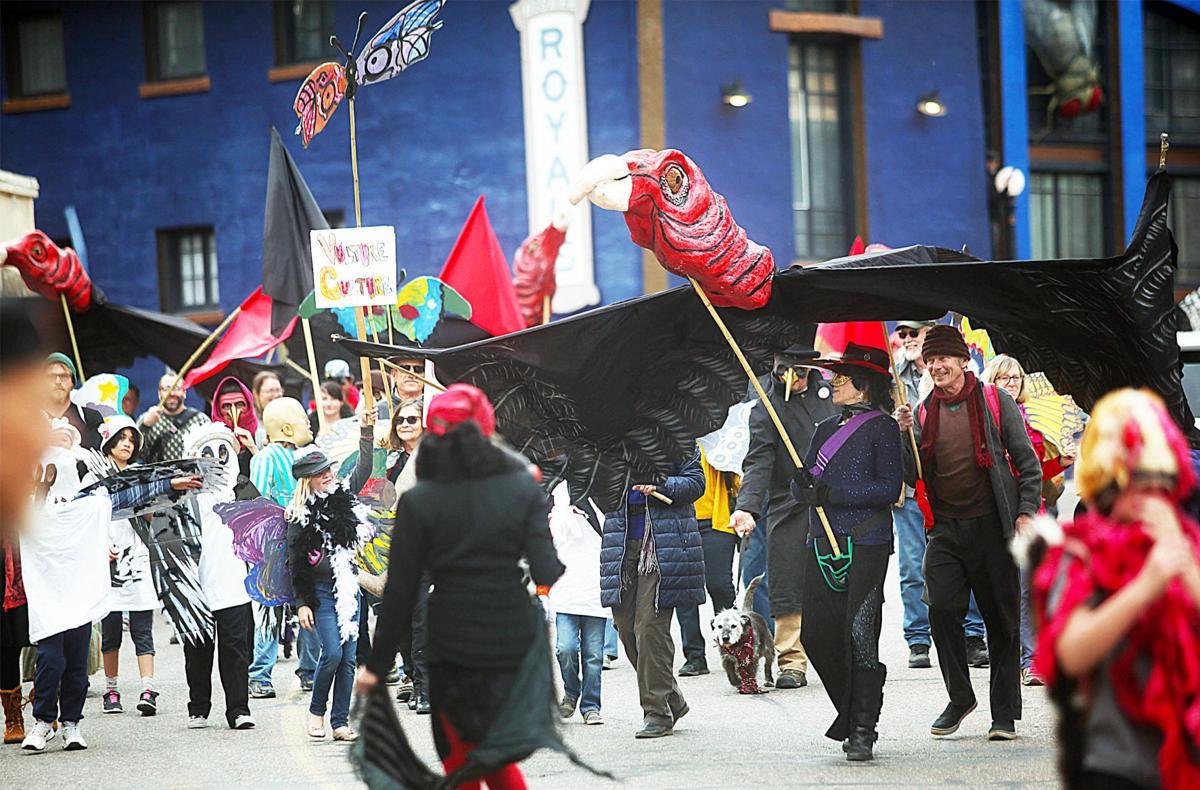 0312 NEWS parade.jpg