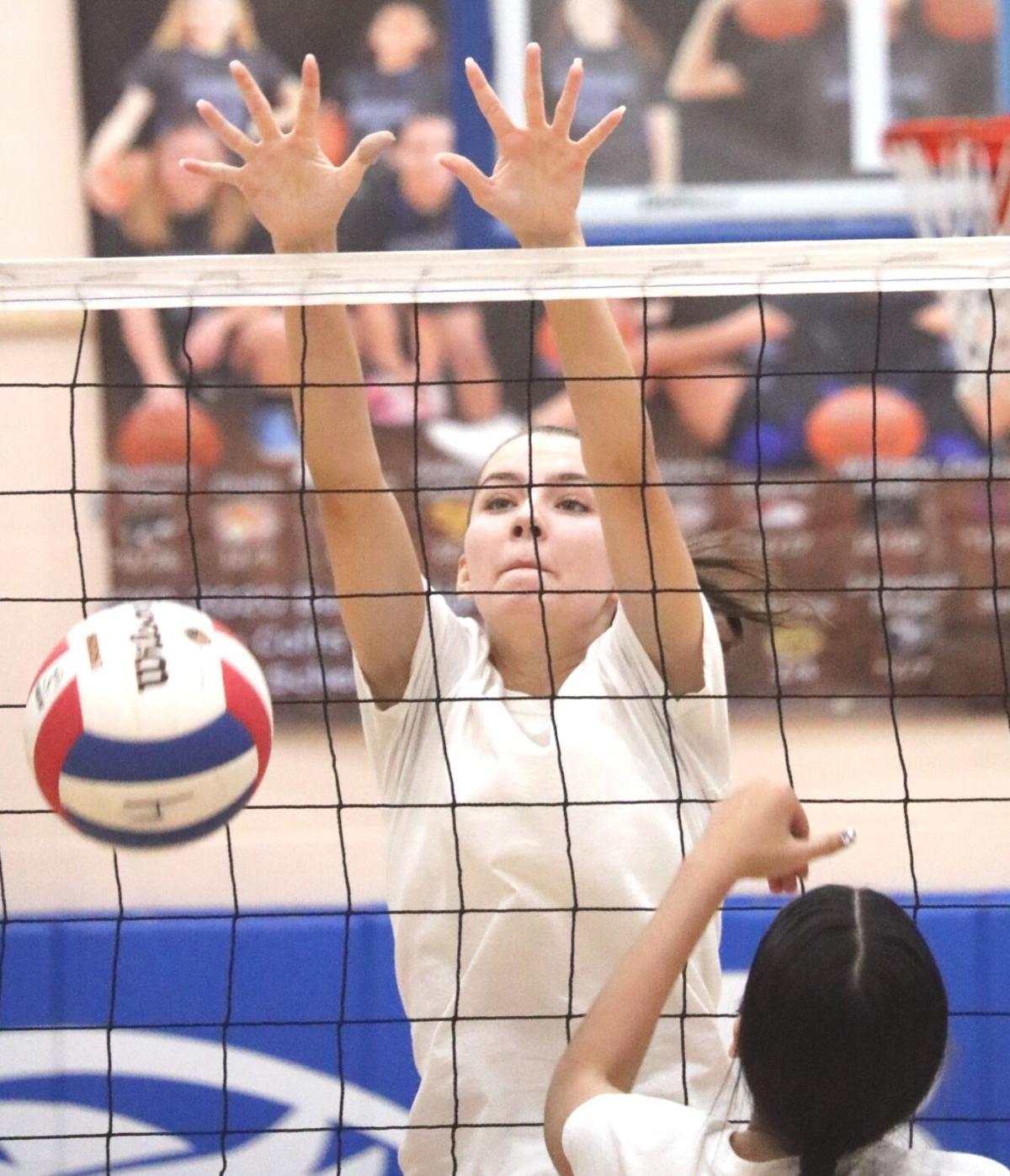 Emma Bursik -- Buena Volleyball