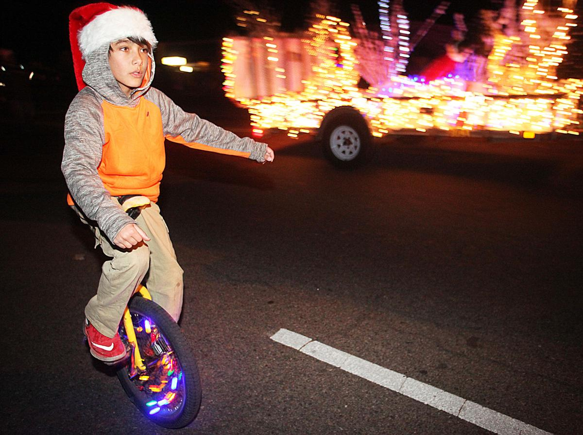 Sierra Vista Loves a Parade; Santa, Mrs. Claus Come in for Landing