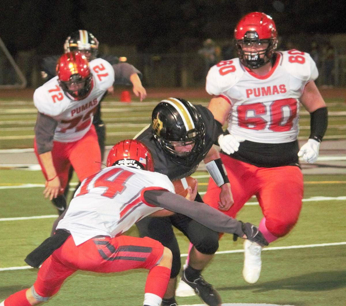 Bulldogs knockoff Bisbee 24-21: The Pick heads back to Douglas