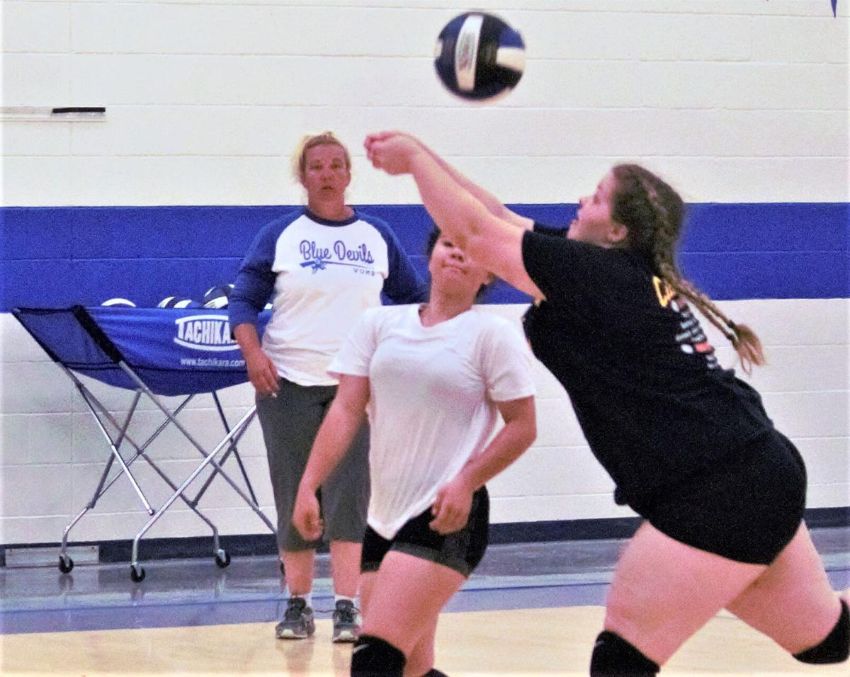 VU volleyball 1.jpg