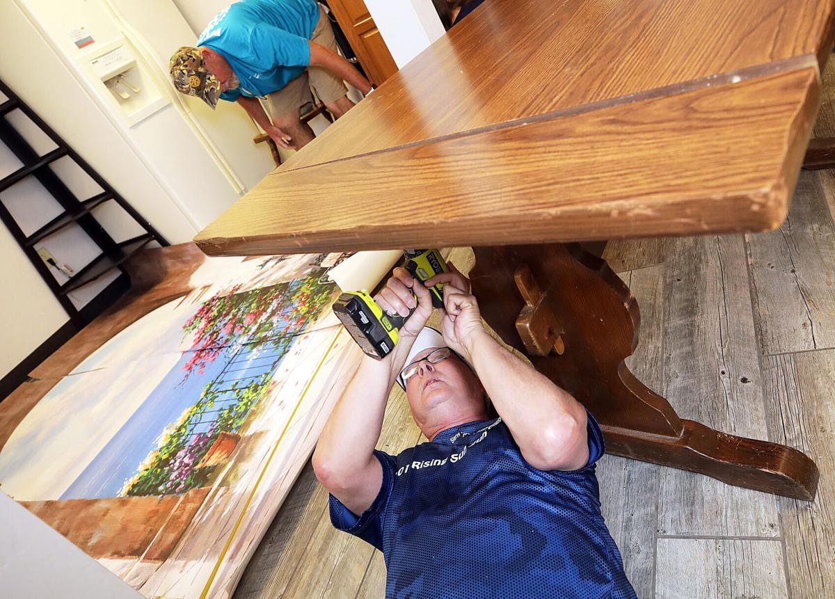 Rotarians Get To Work At Lori S Place Sierra Vista Myheraldreview Com
