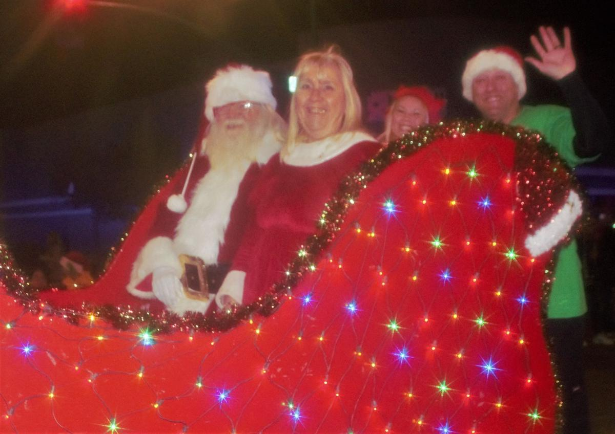 Xmas parade kicks off holiday season in Douglas